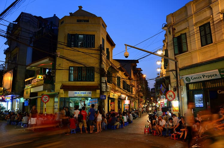 De bia hoi corner op Ta Hien in Hanoi