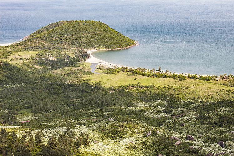 Uitzicht vanaf de Hai Van Pass