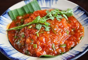 Vis in tomamtensaus