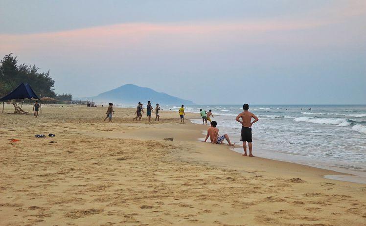 Lang Co Beach in de avond