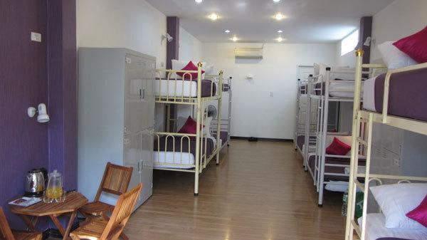 Suite backpackers inn hostel in Saigon