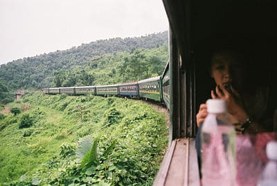 uitzicht vanuit de trein in vietnam
