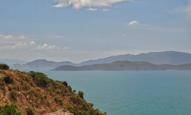 De kustweg van Nha Trang naar Bai Dai