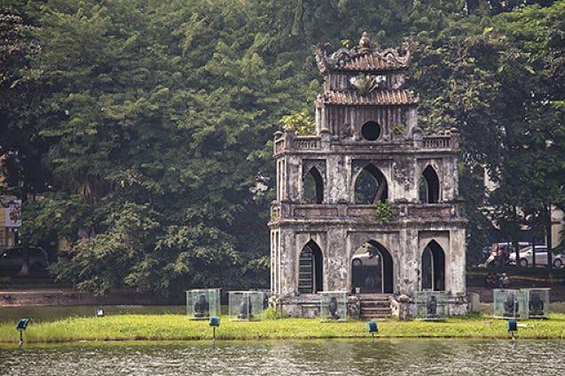 De schildpad pagode in het Hoan Kiem Meer