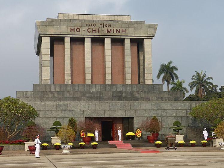 Het Ho Chi Minh Mausoleum in Hanoi