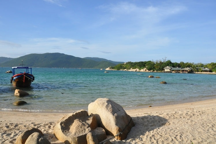 Het strand op Palmeneiland